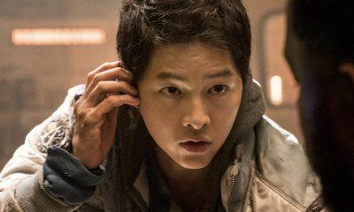 """Song Joong Ki berperan sebagai pilot pesawat luar angkasa dalam film """"Space Sweepers"""". (TWITTER/NETFLIX INDONESIA)"""