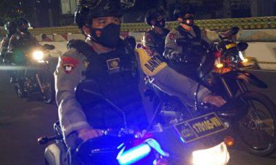 Sat Brimob Polda Metro Jaya Gelar Patroli Skala Besar Malam Hari Raya Idul Fitri 1442 H –