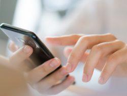 4 Bukti Bahaya Radiasi Handphone
